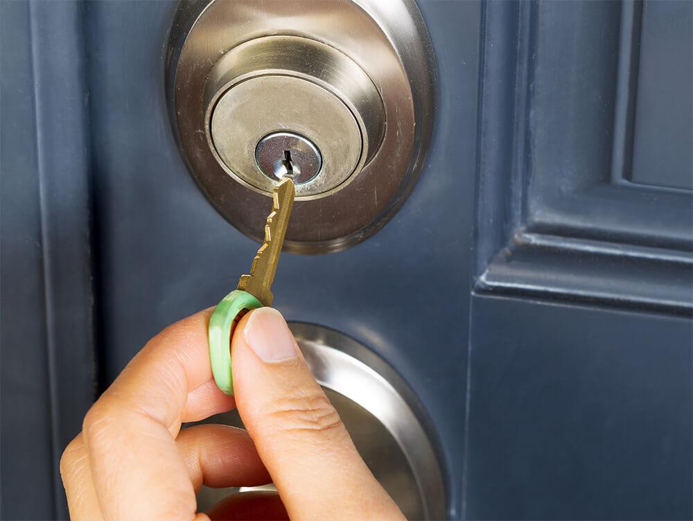3 Expert Methods to Open Your Locked Door