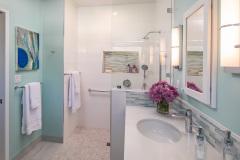 Accessible-bathroom-CairnsCraft-coronado-19-1