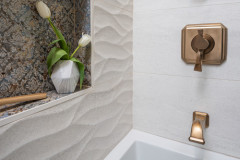 gold-guest-bath-cairnscraft-design-and-remodel-img_55a1719d0dfd4eba_8-6536-1-2eee032