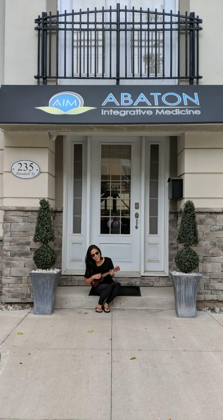 Music therapist in oakville, mississauga at Abaton Integrative Medicine