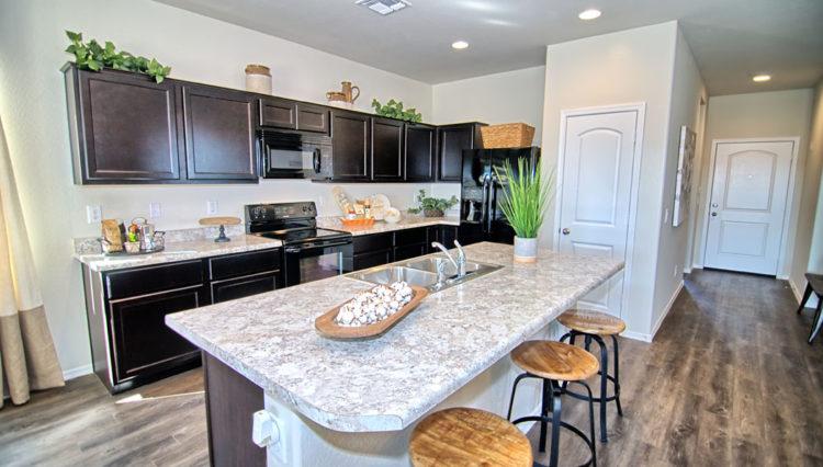 1550SF_Island Kitchen