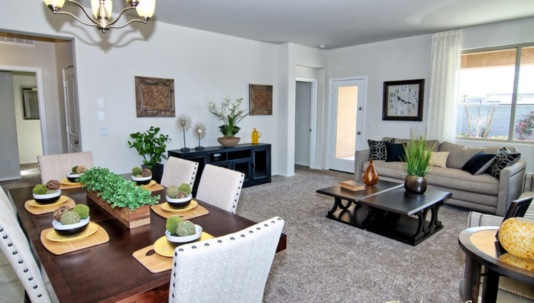 1712SF_Family Room