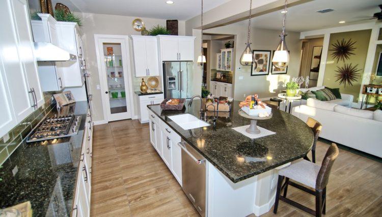 3132SF_Island Kitchen 2 (Medium)