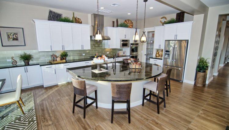 3132SF_Island Kitchen (Medium)