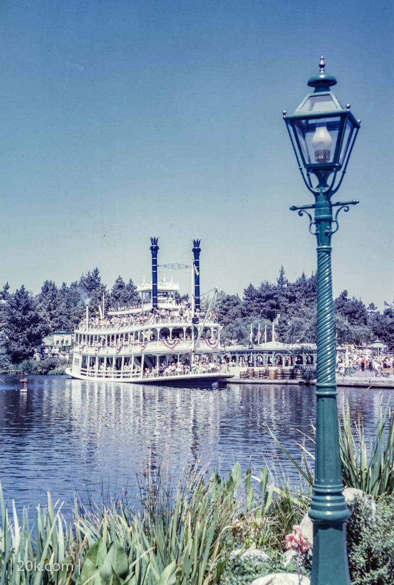 20k-1963-Anaheim-California-Disneyland-7