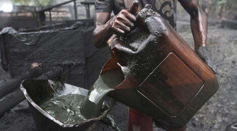 LE NIGERIA DÉPLOIE UNE TECHNOLOGIE SATELLITAIRE POUR  LOCALISER LES CONTREBANDIERS DU PÉTROLE