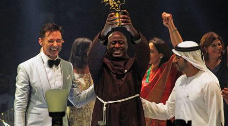 Kenyan Science Teacher Wins Global Prize