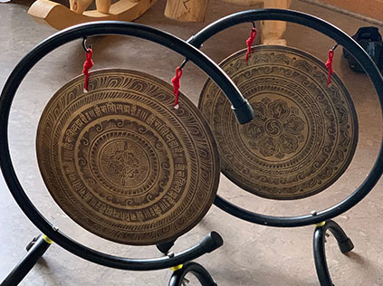 "12"" Nepalese Wind gong with stand"