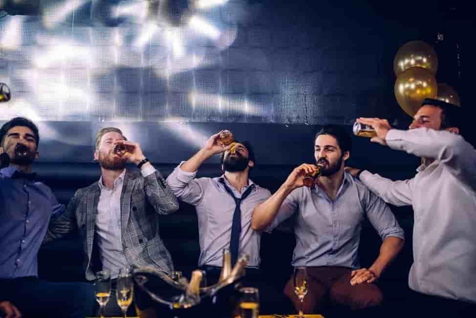 Bachelor-Party-Club-Crawl