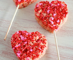 Valentine's Day Rice Crispy Treat Pops