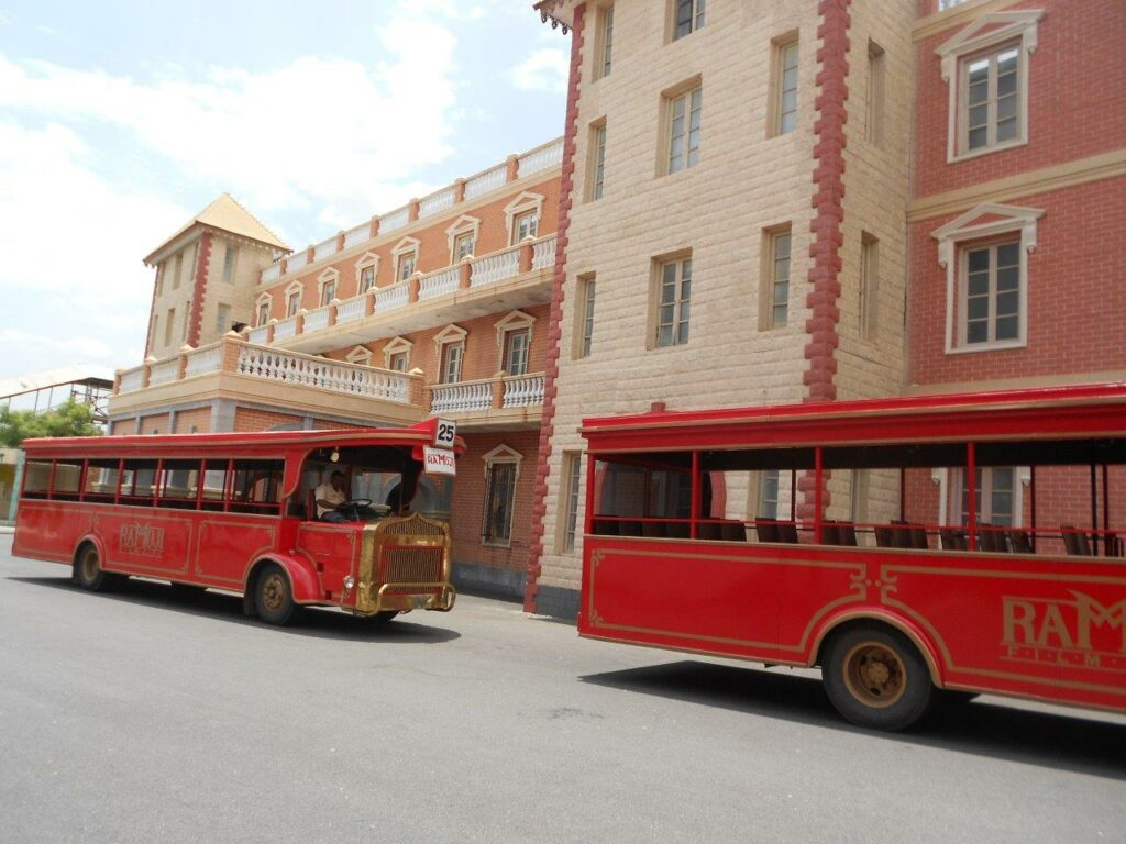 buses for guided tour at ramoji film city