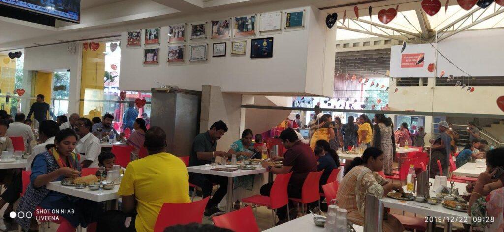 7 Food court