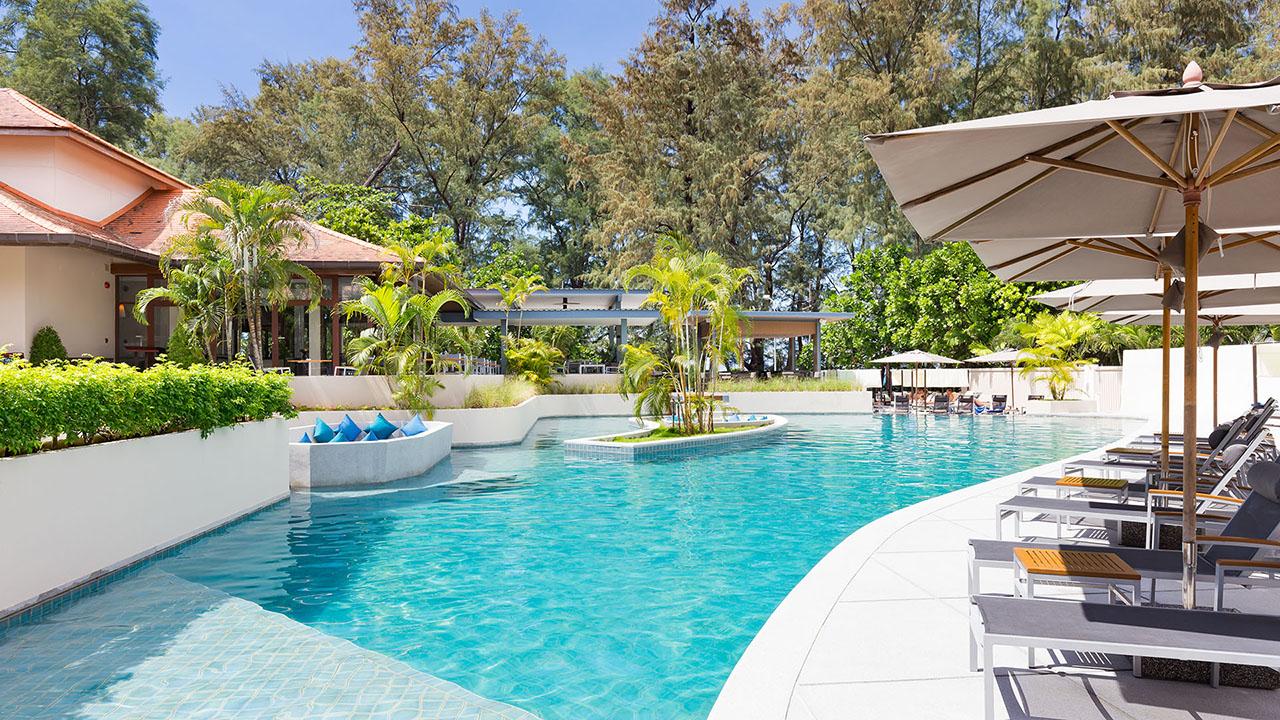 trd-swimming-pool-lobby-720