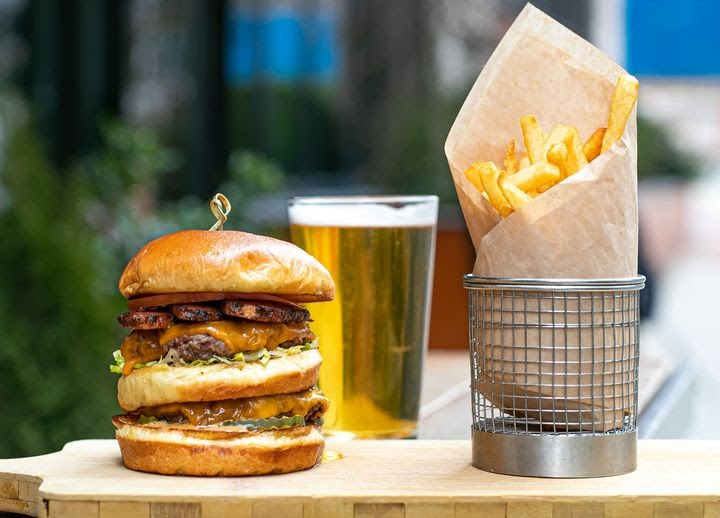 McCray's Tavern burger