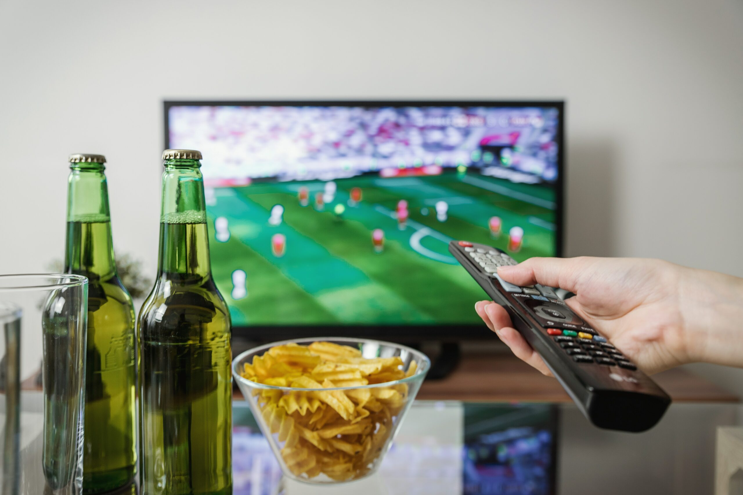 How to Throw The Best Super Bowl Party