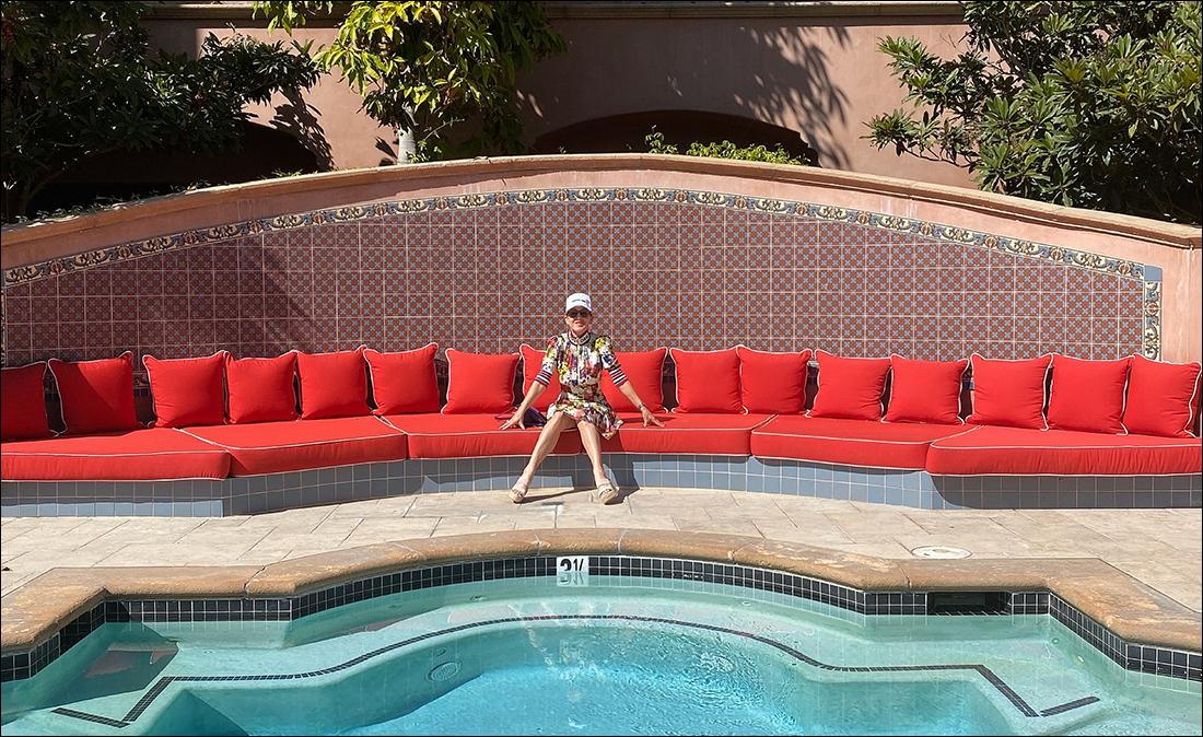 Kira selfie by the pool