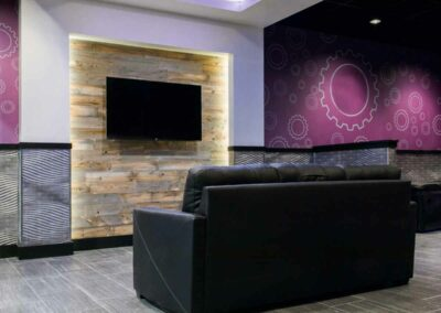 products-gallery-3-reclaimed-wood-wall-planet-fitness