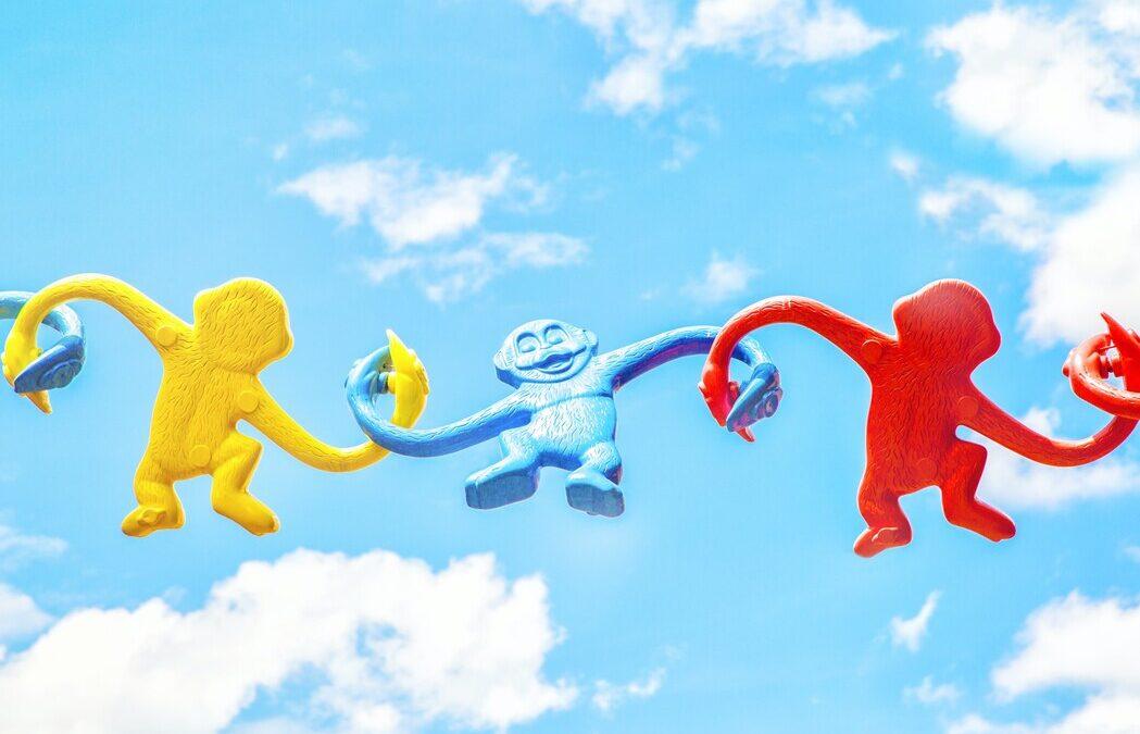 toy monkeys linked