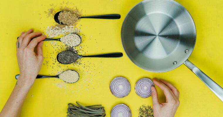 The Essentials I ALWAYS Have In My Kitchen (Besides salt, pepper & olive oil)