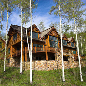 300p-Luxury-Hillside-Home-44042887