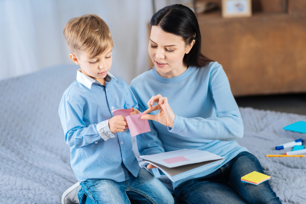 Learn strategies to help you child get and stay organized at home.