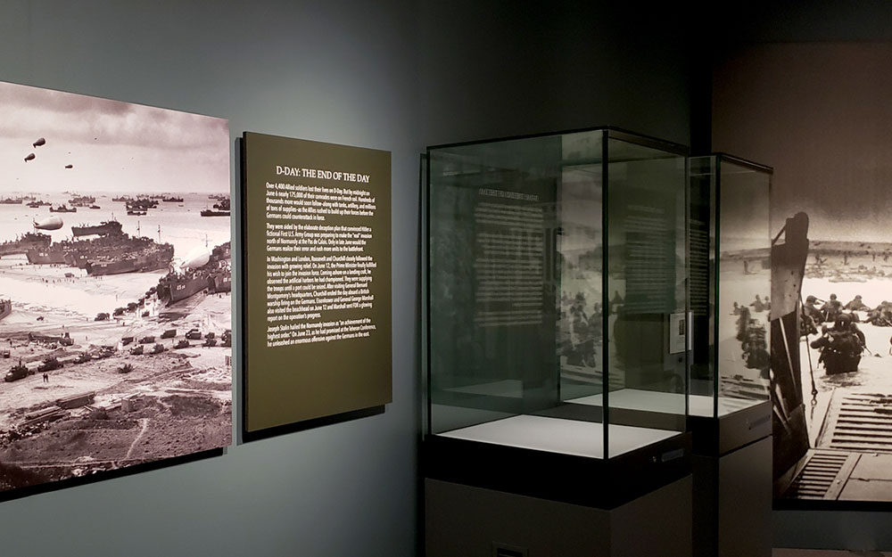 custom made display cases for museum exhibit
