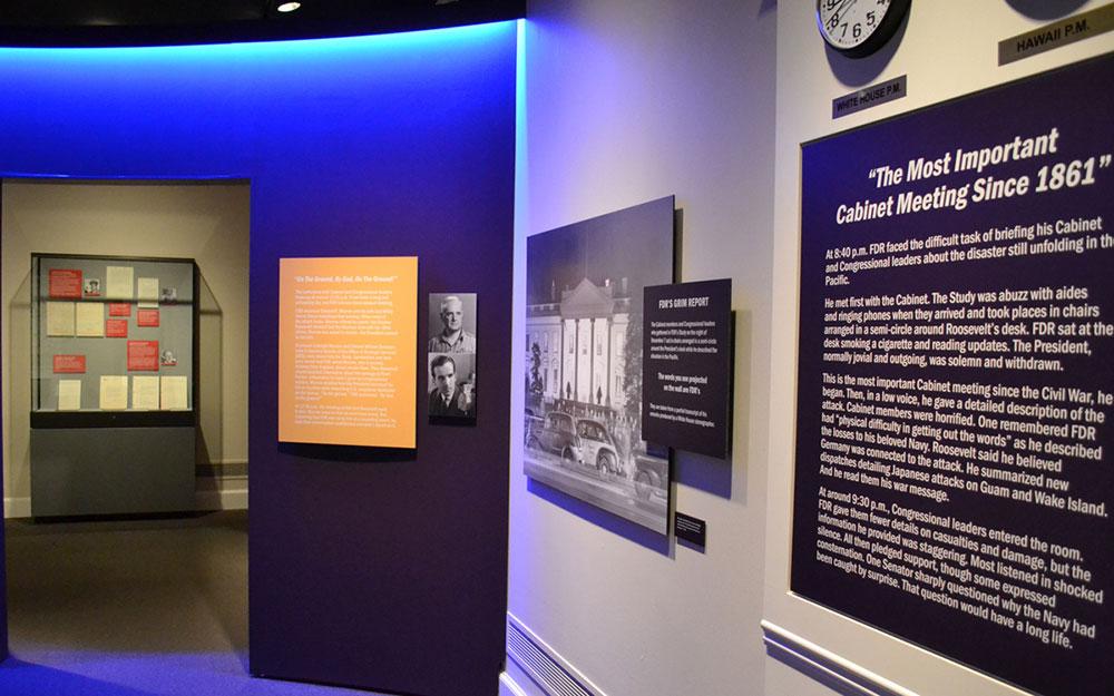 custom museum exhibit and display case