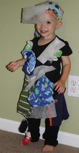 Tape socks and dryer sheets to a shirt. DONE. Creating a Static Cling costume is free and takes 5 minutes. source: moneycrashers.com
