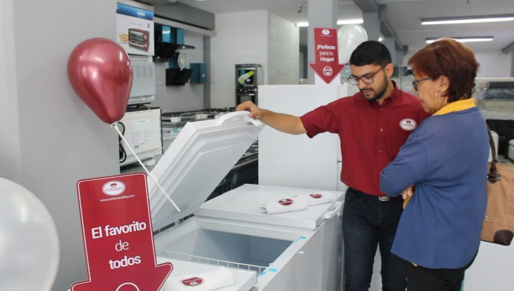 lruta condesa en Gabriel Electronic barquisimeto equipo trade marketing en muestra de congelador