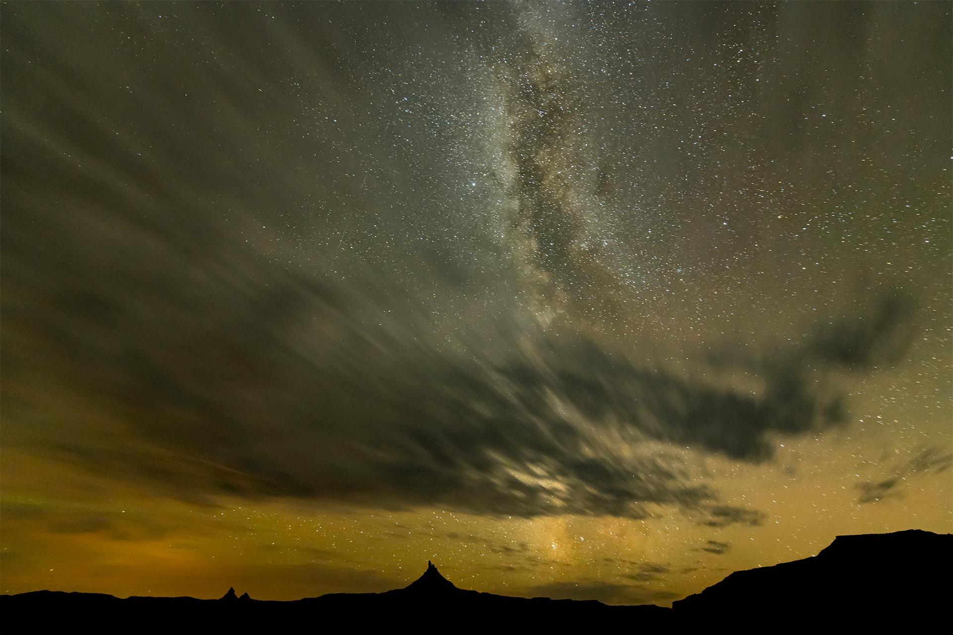 milky-way-night-sky-photography-Utah-Canyonlands-national-park-Needles_District