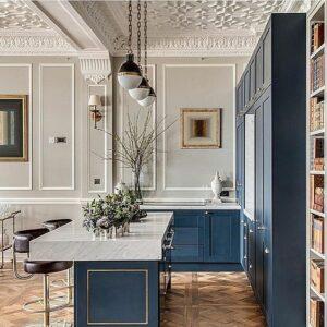 geometric-molding-ceiling