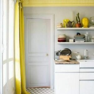 yellow-ceiling-molding-in-the-kitchen