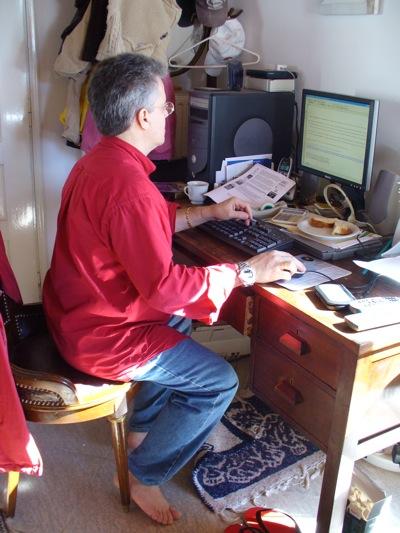 Bernson in Ornos, Mykonos, at work on OfficialWire, 2008