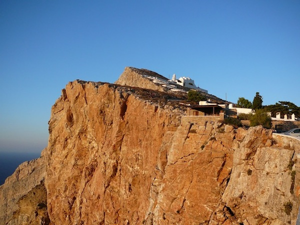 Red cliffs below the church add drama to the Hora's already dramatic view.