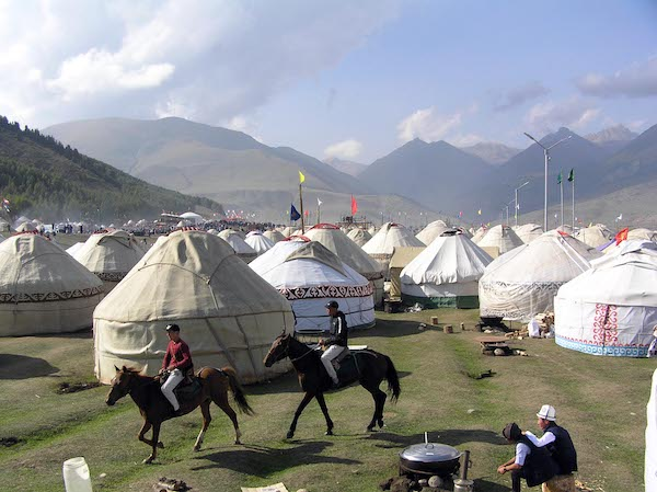 Scenes from the Nomadic Games(2).