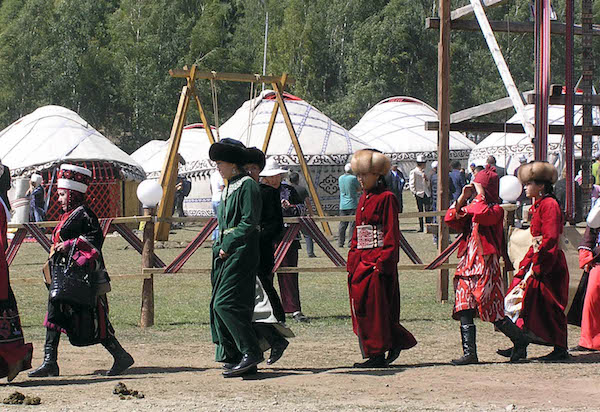 Scenes from the Nomadic Games(3).