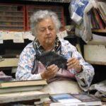 Nata in her studio in 2004.