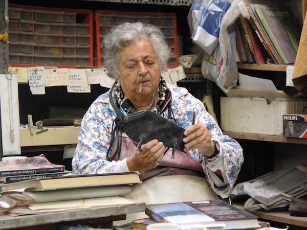 Nata in her studio in 2004.