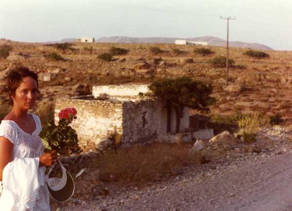 Elizabeth Boleman-Herring, on Mykonos, mid-1970s. (Photo: Jim Hoagland.)