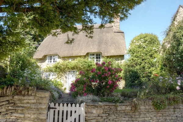Thatched Cottage, Aynho, Northamptonshire. (Photo: AJTooth.)