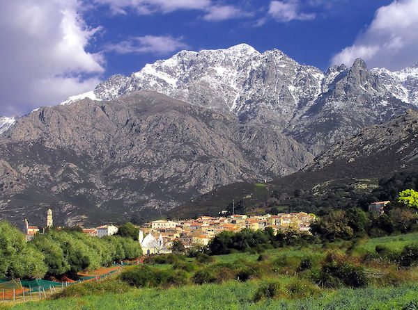 Calenzana Village, Corsica. (Photo: Pierre Bona/Wikimedia Commons.)