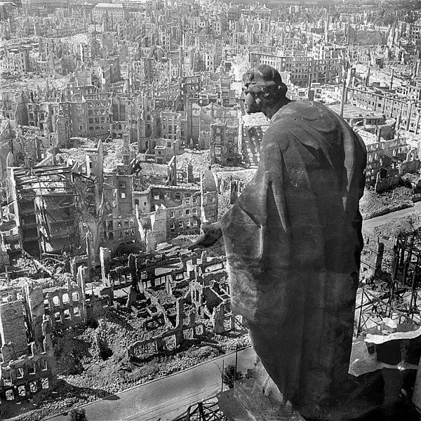 Dresden, 1945.