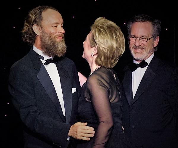Tom Hanks Backs Clinton, Not Trump
