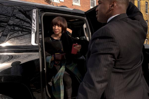 """BALTIMORE: FBI Raids Mayor Catherine Pugh's Home – Gov Calls For Resignation: """"She Is Not Fit To Lead"""""""