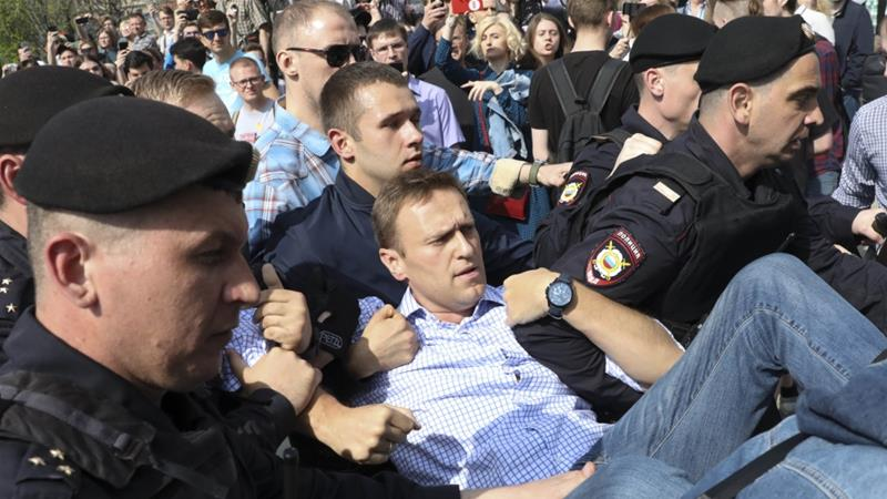 RUSSIA: Putin Tosses Leading Opponent In Jail For Organizing Massive Protest