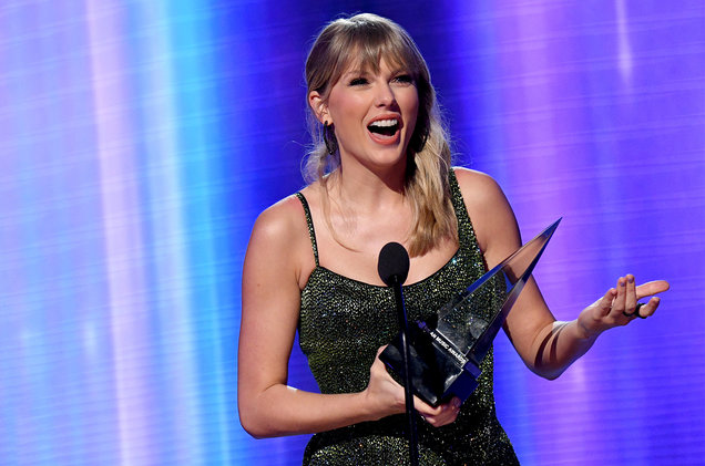 Undisputed Queen Of Music – Swift Shatters Michael Jackson's Record For Most AMA Wins