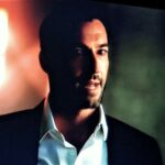 Lucifer's Tom Ellis Poses With Arrowverse Stars After Crisis On Infinite Earths Cameo