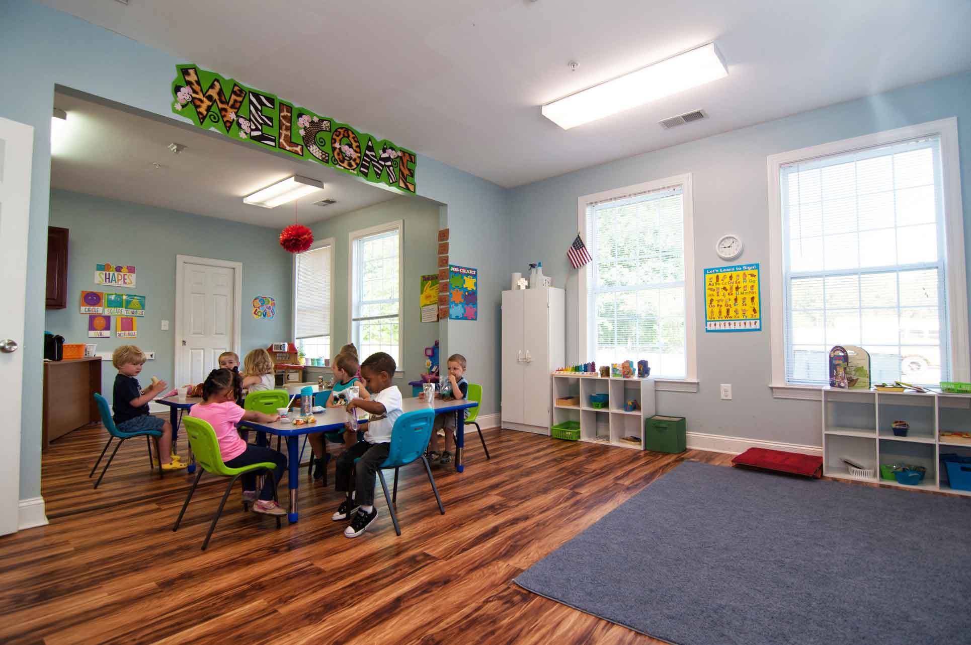 Large-Classroom-with-Students-Working-at-Faith-Christian-Academy-Private-Christian-School-between-Burlington-and-Greensboro-NC