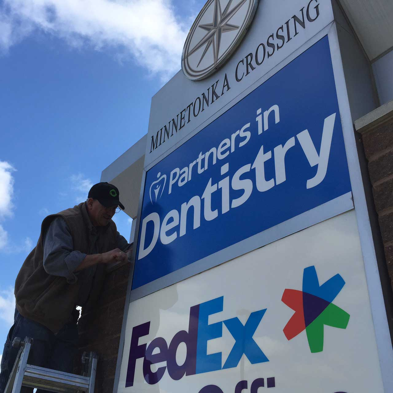 custom pylon sign partners in dentistry