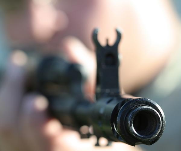 Homeowner Shoots 4 Thieves With AK-47, Kills 2